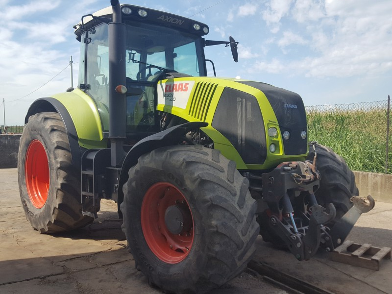 TRATTORE CLAAS AXION 810